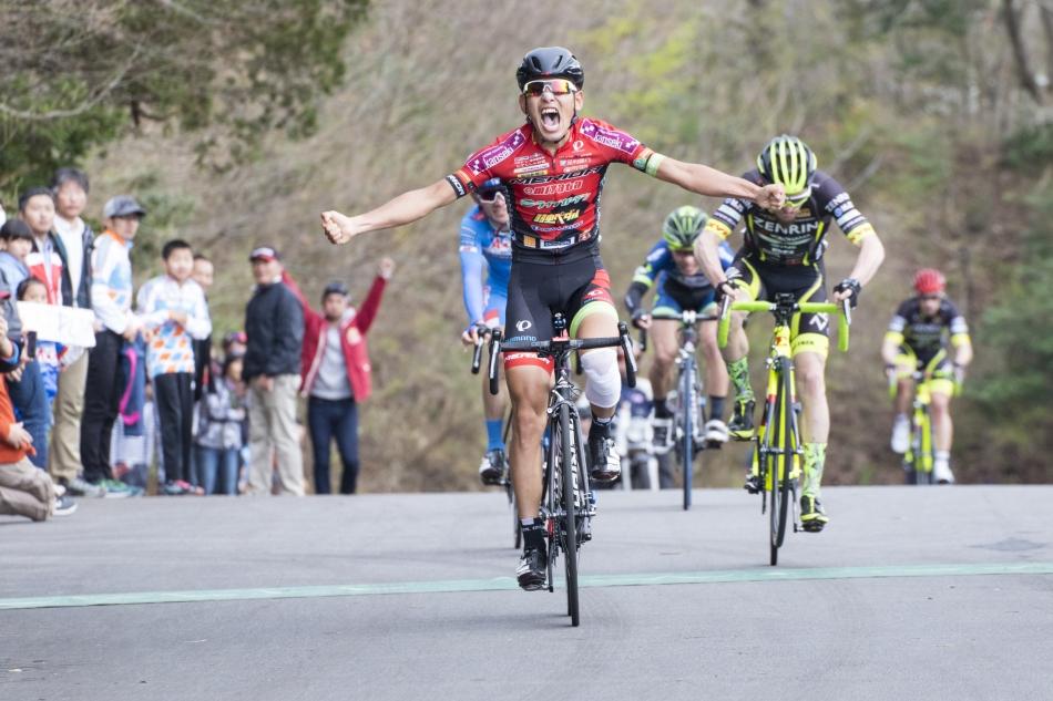 第41回チャレンジサイクルロードレース WAKO'Sケミカルサポートチーム表彰台独占