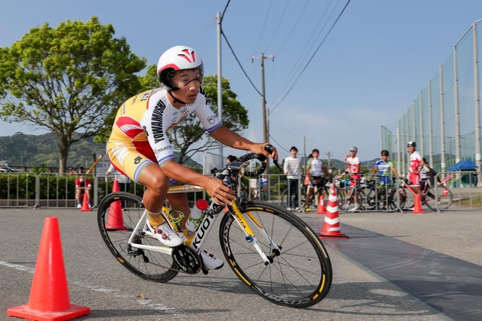 第1回JBCFブルータイムトライアル in 鴨川 岡 篤志(弱虫ペダルサイクリングチーム)が優勝