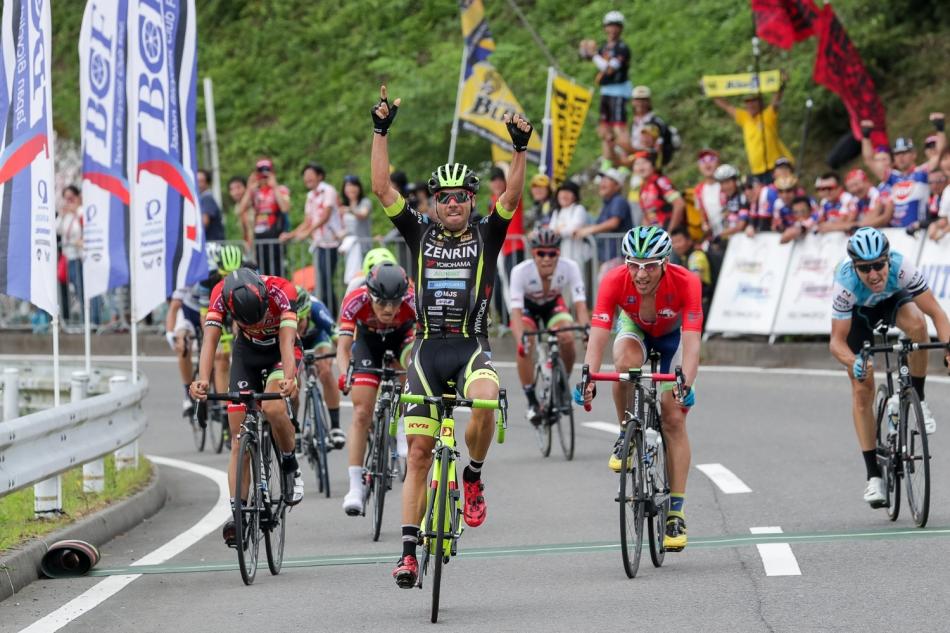 第15回JBCF石川サイクルロードレース ベンンジャミン・プラデス(Team UKYO)が優勝