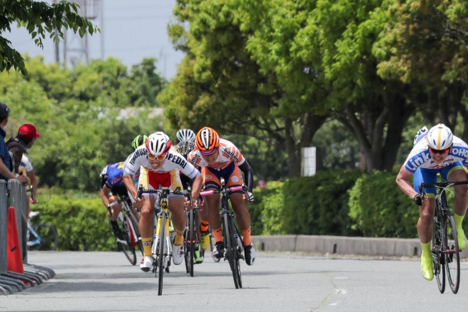 第1回JBCF鴨川クリテリウム 岡 篤志(弱虫ペダルサイクリングチーム)が優勝